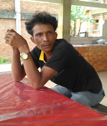 """""""Tidak Ada Pemasukan, hanya Pengeluaran"""" (Cerita Pak Nyoman Sudi di Pos Pengungsian Kubu Bangli)"""