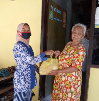 Rapid Need Assessment in Sleman : Impact of COVID-19 on Older People